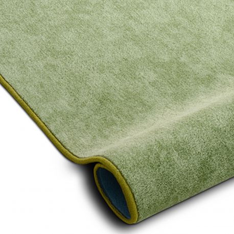 Fitted carpet SERENADE 611 green